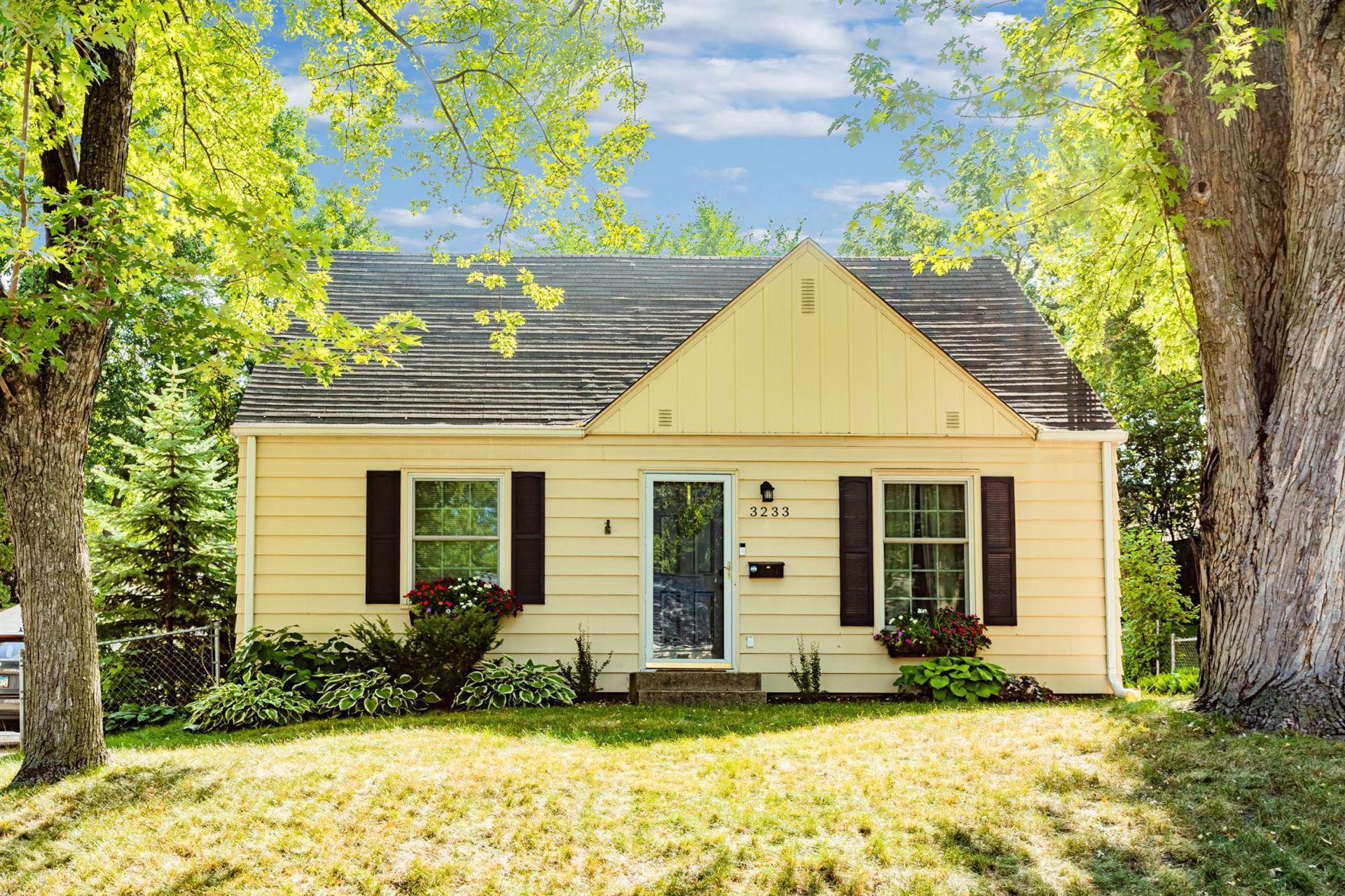 Photo of 3233 Sumter Avenue S, Saint Louis Park, MN 55426 (MLS # 6103664)