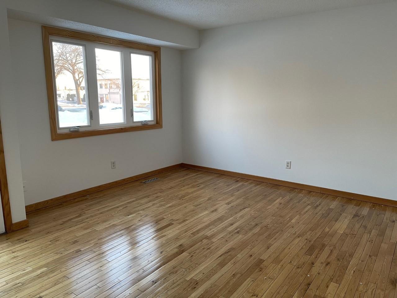 Photo of 890 Hunt Place, Saint Paul, MN 55114 (MLS # 5697701)