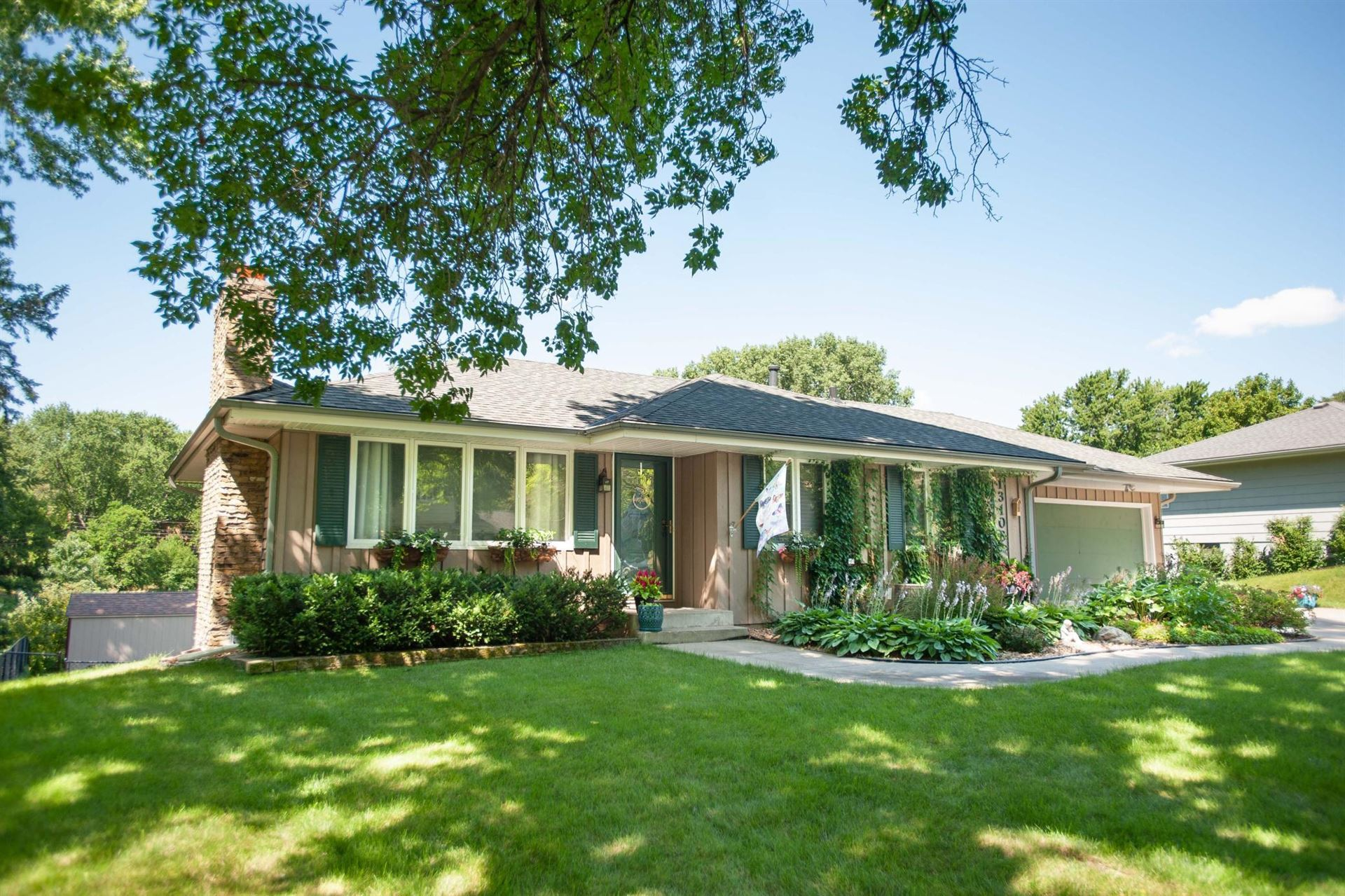 Photo of 13108 Lakeview Drive, Burnsville, MN 55337 (MLS # 6073712)