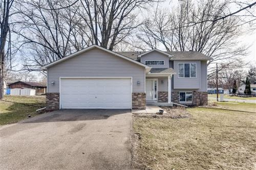 Photo of 10001 Quince Street NW, Coon Rapids, MN 55433 (MLS # 5547722)