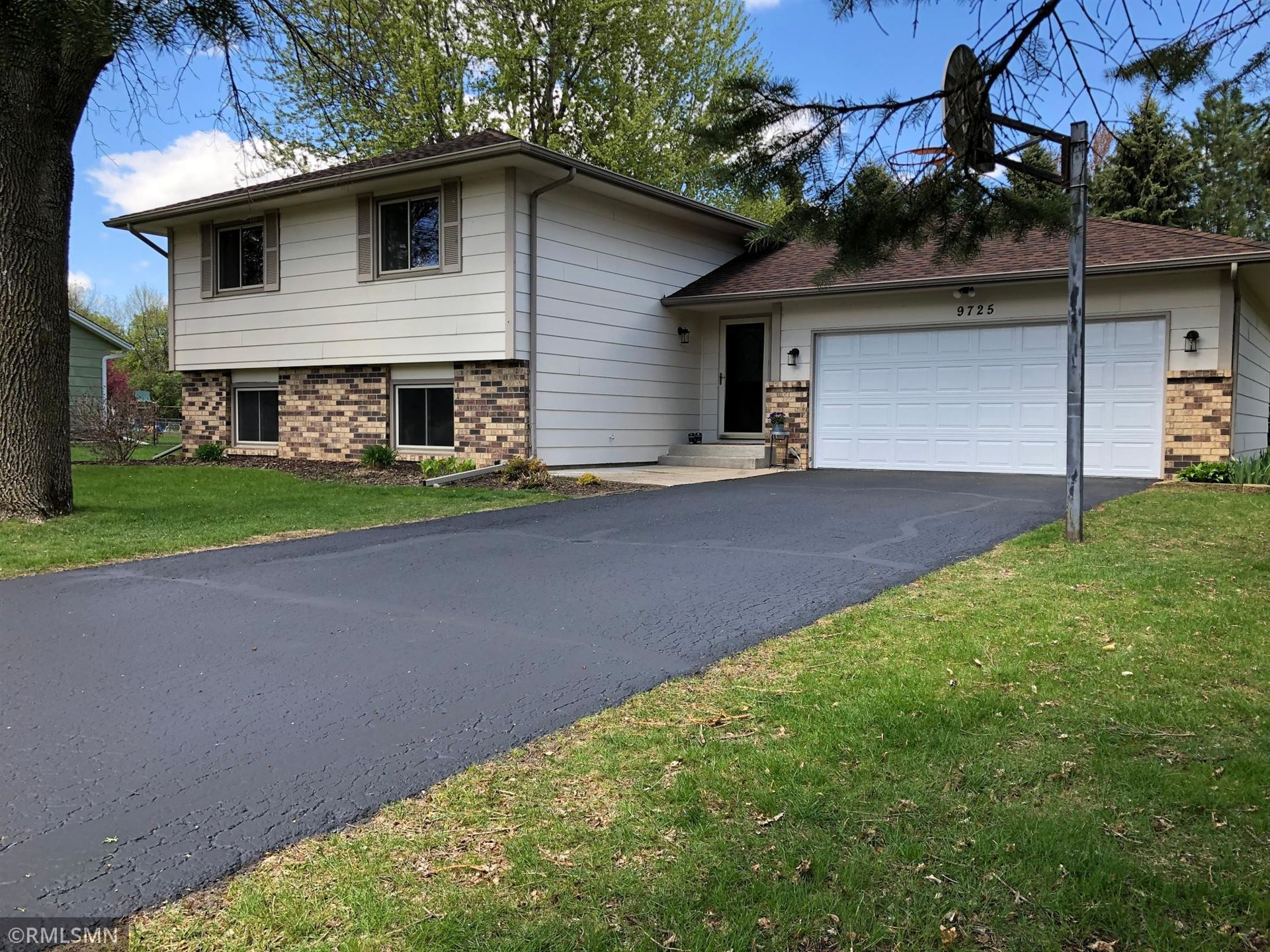 Photo of 9725 Upper 205th Street W, Lakeville, MN 55044 (MLS # 5753734)