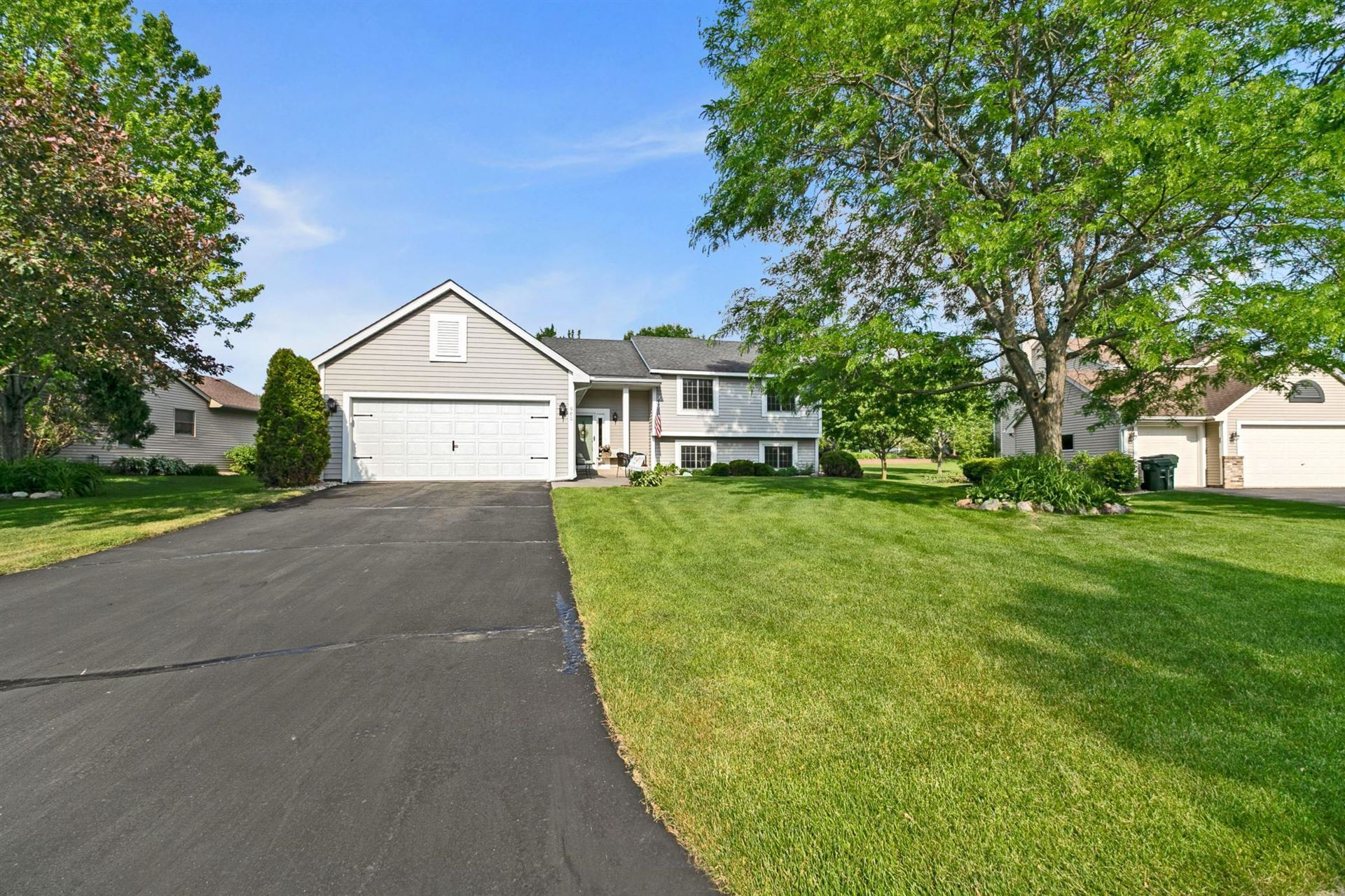 Photo of 580 Coventry Parkway, Eagan, MN 55123 (MLS # 5769734)