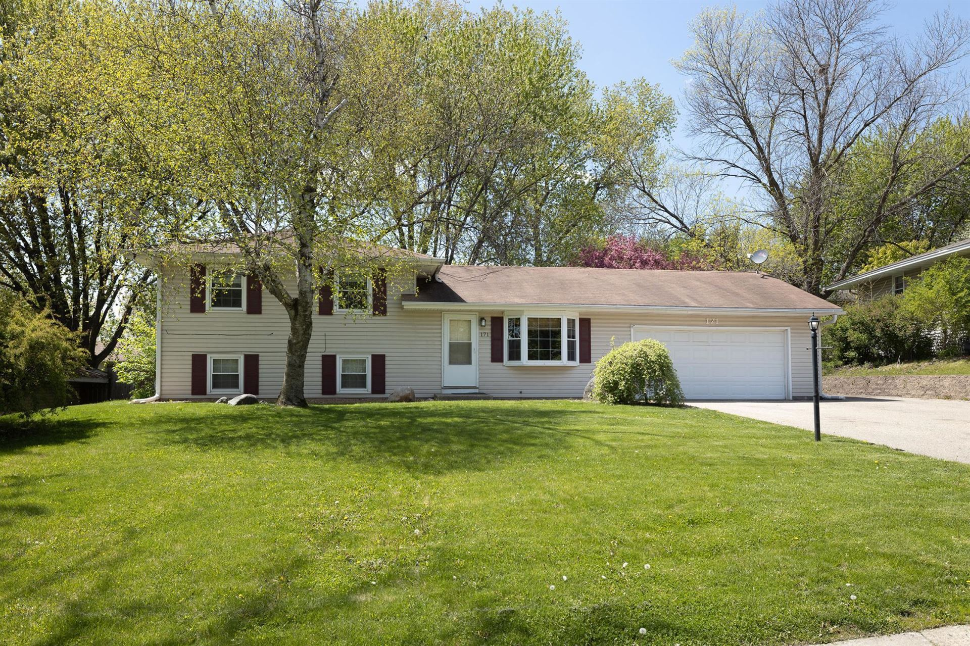 Photo of 171 Juniper Lane, Apple Valley, MN 55124 (MLS # 5737738)