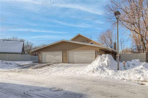 Photo of 2226 Kings Valley Road E, Golden Valley, MN 55427 (MLS # 5704745)