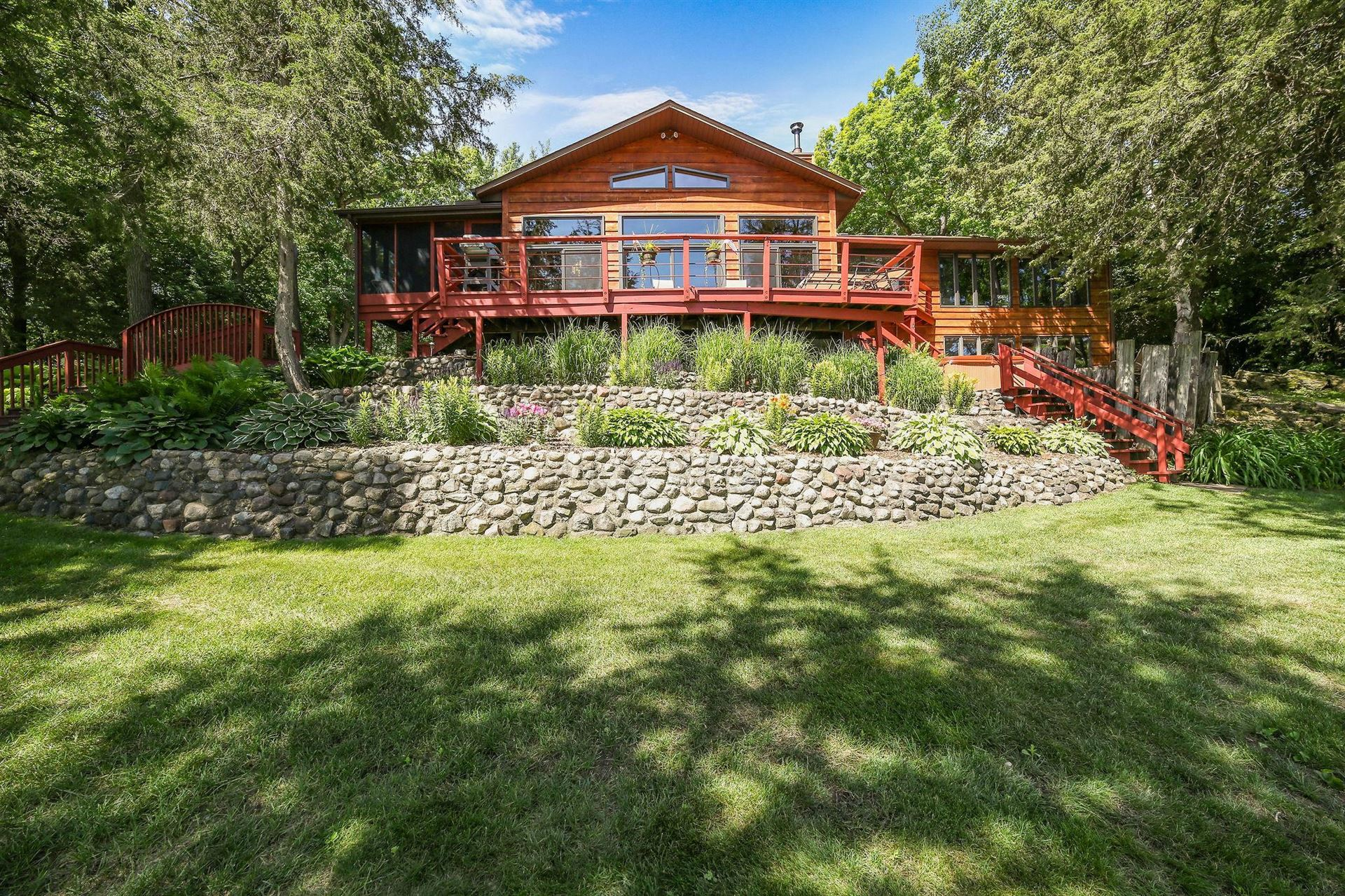 8200 River Road, Inver Grove Heights, MN 55076 - #: 5613769