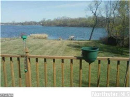 Photo of 1400 W Medicine Lake Drive, Plymouth, MN 55441 (MLS # 5719774)