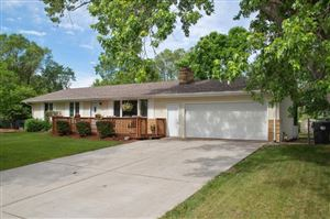 Photo of 11542 Jonquil Street NW, Coon Rapids, MN 55433 (MLS # 5251781)