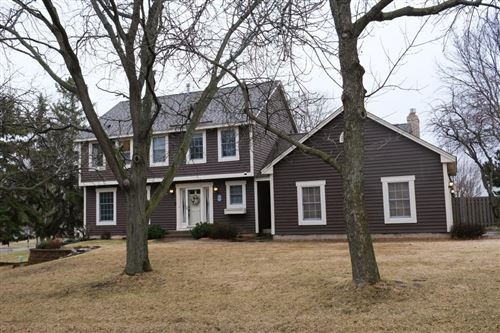 Photo of 455 High Point Curve S, Maplewood, MN 55119 (MLS # 5543802)