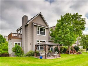Photo of 18 River Bend Place, Chaska, MN 55318 (MLS # 5252827)