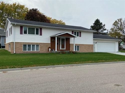 Photo of 608 2nd Street E, Canby, MN 56220 (MLS # 6119844)