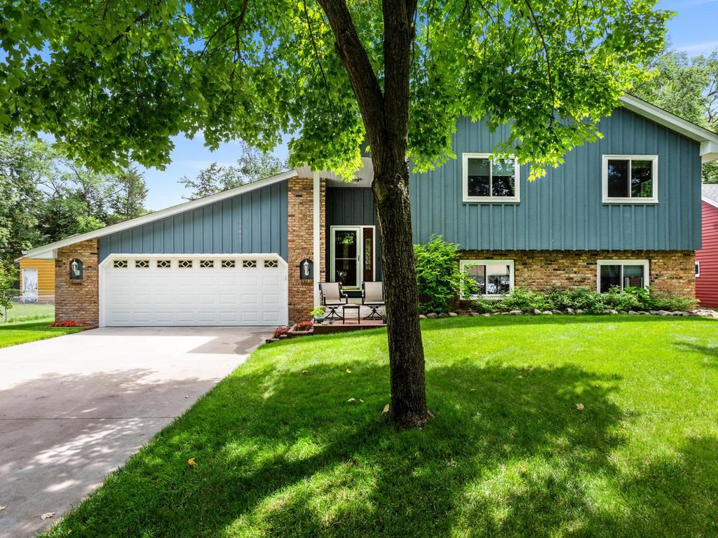 11465 Kerry Street NW, Coon Rapids, MN 55433 - #: 5574851