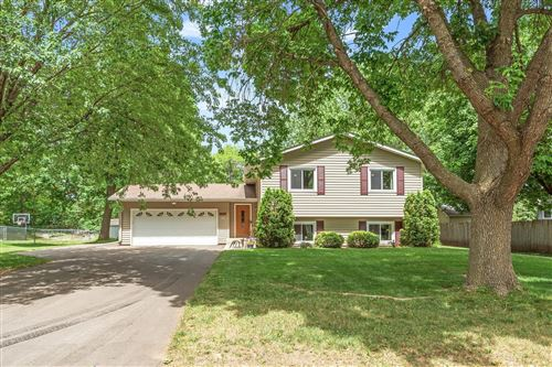 Photo of 9927 Upper 205th Street W, Lakeville, MN 55044 (MLS # 6002854)