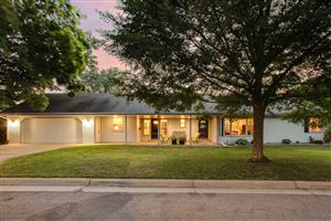 Photo of 1704 Beechwood Avenue, Saint Paul, MN 55116 (MLS # 4983886)