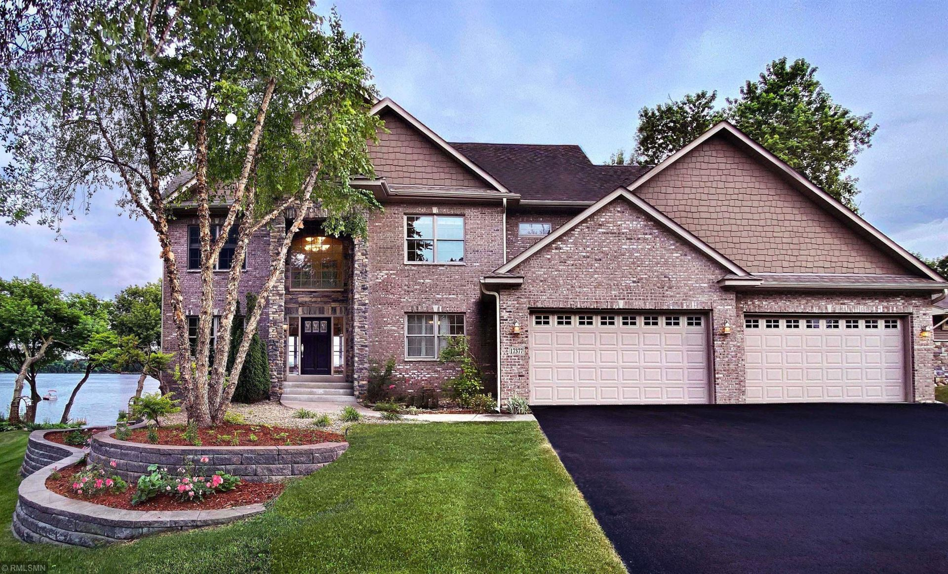 17377 Weaver Lake Drive Maple Grove Mn 55311 Mls 5622889 Listing Information Real Living First Realty Real Living Real Estate