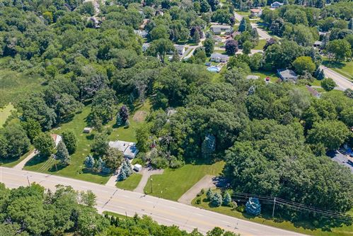 Photo of 984 Lakewood Drive N, Maplewood, MN 55119 (MLS # 5613911)