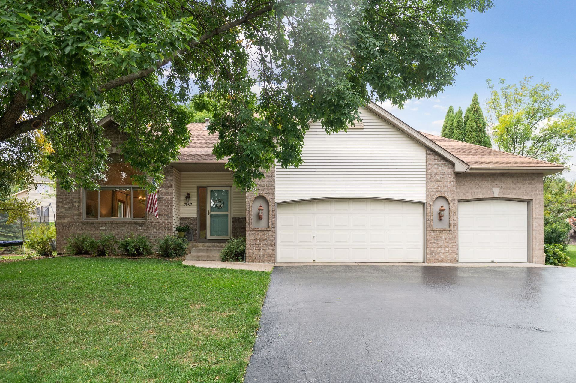 Photo of 20931 Jameswood Court, Lakeville, MN 55044 (MLS # 6102915)