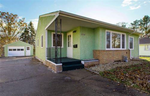 Photo of 2050 Cottage Avenue E, Saint Paul, MN 55119 (MLS # 5741916)
