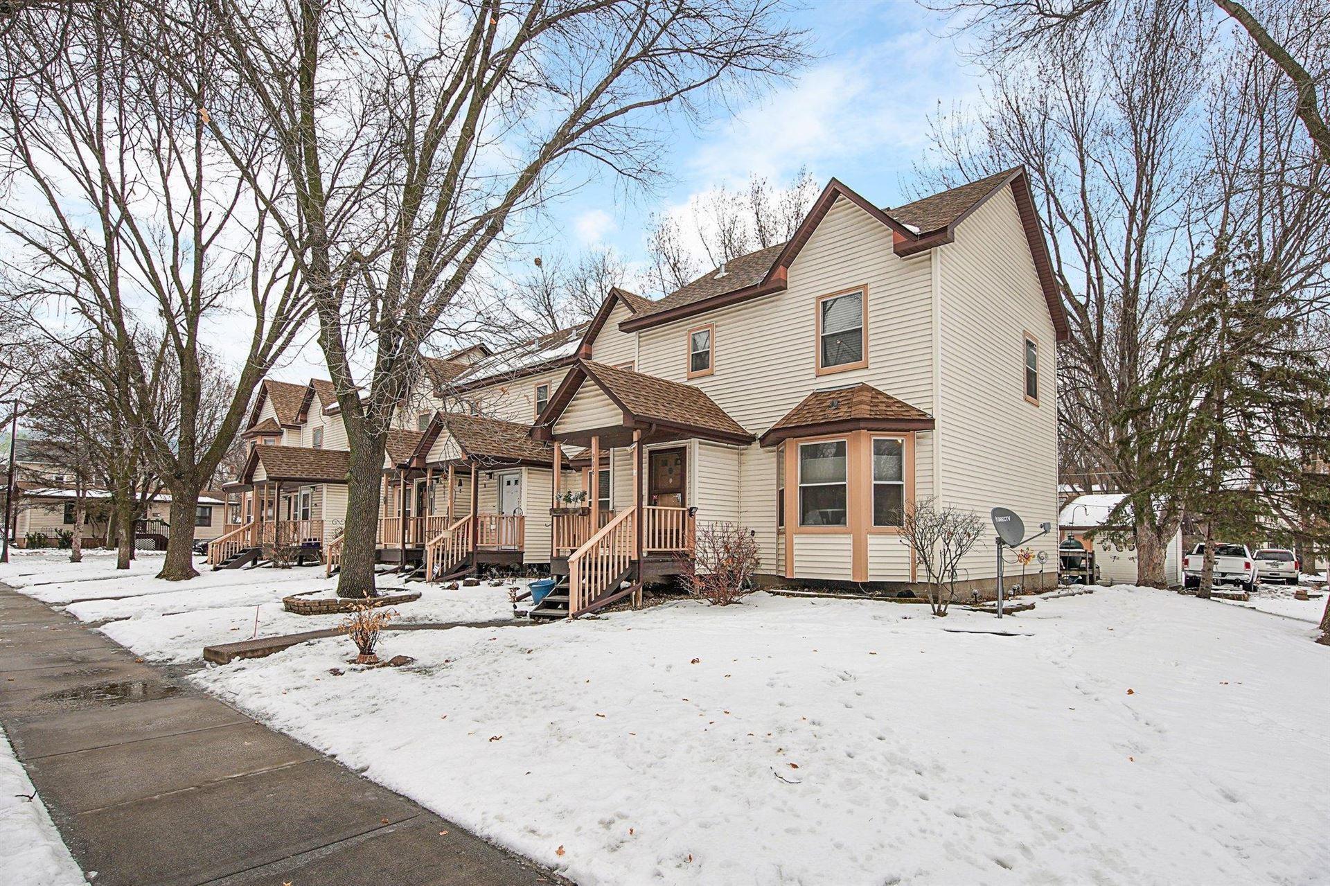 Photo of 906 Galtier Street, Saint Paul, MN 55117 (MLS # 5701918)
