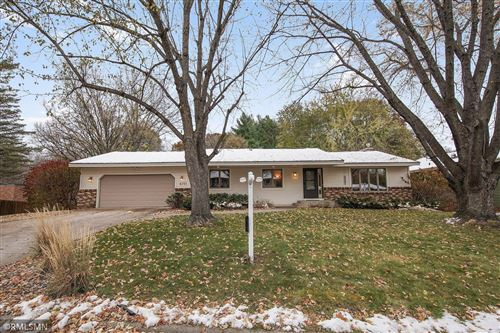 Photo of 8701 Lakeview Road, Bloomington, MN 55438 (MLS # 5672926)