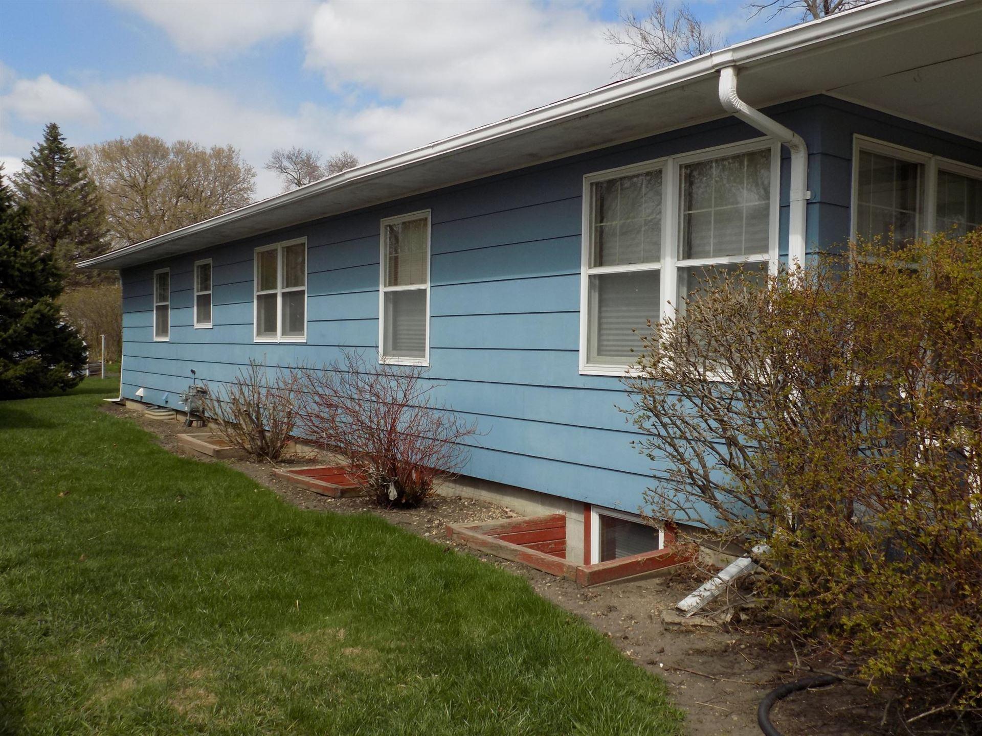 Photo of 110 W Anna Street, Fairmont, MN 56031 (MLS # 5721927)