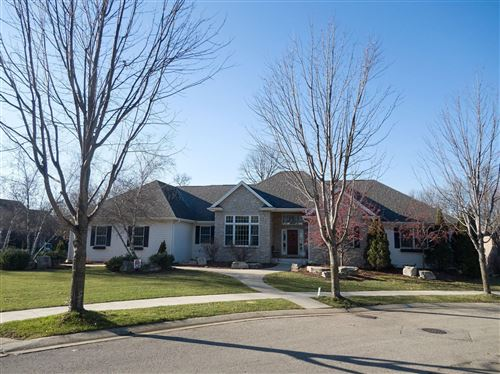 Photo of 999 Foxwoods Court SW, Rochester, MN 55902 (MLS # 5689941)