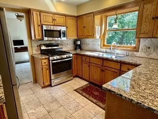 Photo of 1521 Rushmore Drive, Burnsville, MN 55306 (MLS # 6102946)