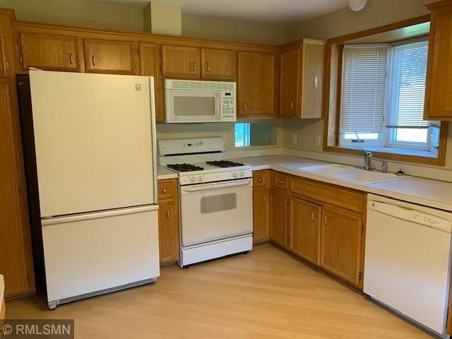 Photo of 12886 Glen Way, Apple Valley, MN 55124 (MLS # 5755955)