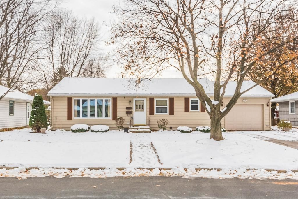 Photo for 311 N Belmont Drive, Mankato, MN 56001 (MLS # 5330971)