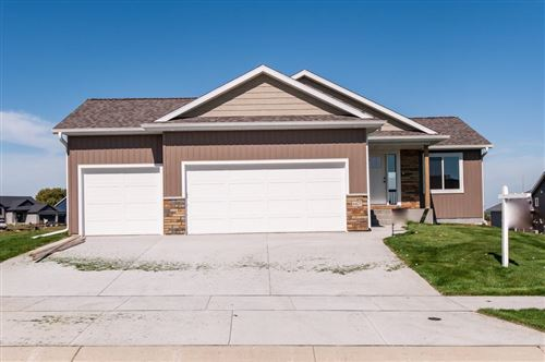 Photo of 6427 Fairway Drive NW, Rochester, MN 55901 (MLS # 5250978)