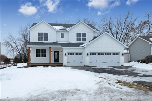 Photo of 731 Crestview Drive N, Maplewood, MN 55119 (MLS # 5348987)