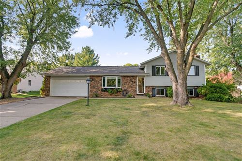 Photo of 6276 137th Court W, Apple Valley, MN 55124 (MLS # 5673988)