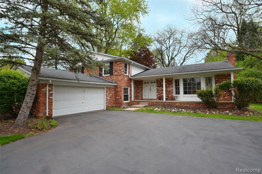 Photo for 19501 S WALTHAM RD, Beverly Hills, MI 48025-5126 (MLS # 40178001)