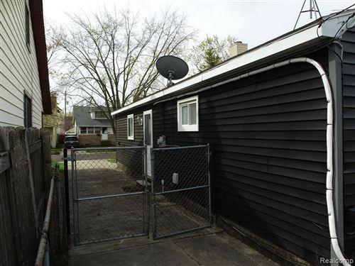 Tiny photo for 733 CAMDEN ST, Ferndale, MI 48220-3528 (MLS # 40167004)