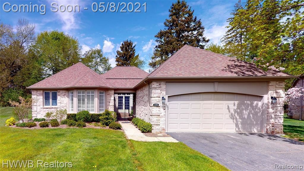 Photo for 32288 SPRUCE LN, Beverly Hills, MI 48025-3596 (MLS # 40170004)