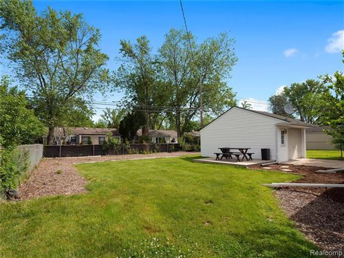 Tiny photo for 15574 BUCKINGHAM AVE, Beverly Hills, MI 48025-3300 (MLS # 40065006)
