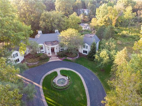 Photo of 45 ORCHARD LN, Bloomfield Hills, MI 48304-3455 (MLS # 30780007)