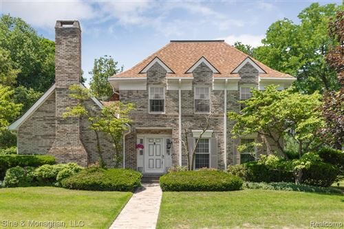 Photo of 20 HARBOR CRT, Grosse Pointe Farms, MI 48236-3015 (MLS # 40074008)