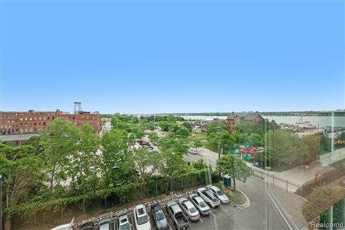Tiny photo for 250 E HARBORTOWN DR, Detroit, MI 48207-5027 (MLS # 40185009)