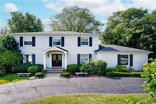 Photo of 20047 RONSDALE DR, Beverly Hills, MI 48025-3857 (MLS # 40216015)