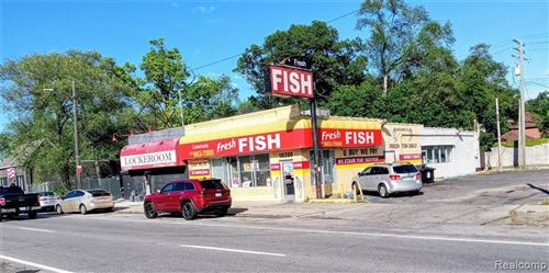 Photo of 18280 LIVERNOIS AVE, Detroit, MI 48221-2773 (MLS # 40240022)