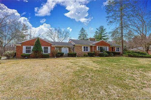 Photo of 5400 LONGMEADOW RD, Bloomfield Hills, MI 48304-3662 (MLS # 40147024)