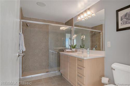 Tiny photo for 432 S WASHINGTON AVE UNIT 907 AVE, Royal Oak, MI 48067-3867 (MLS # 40114025)