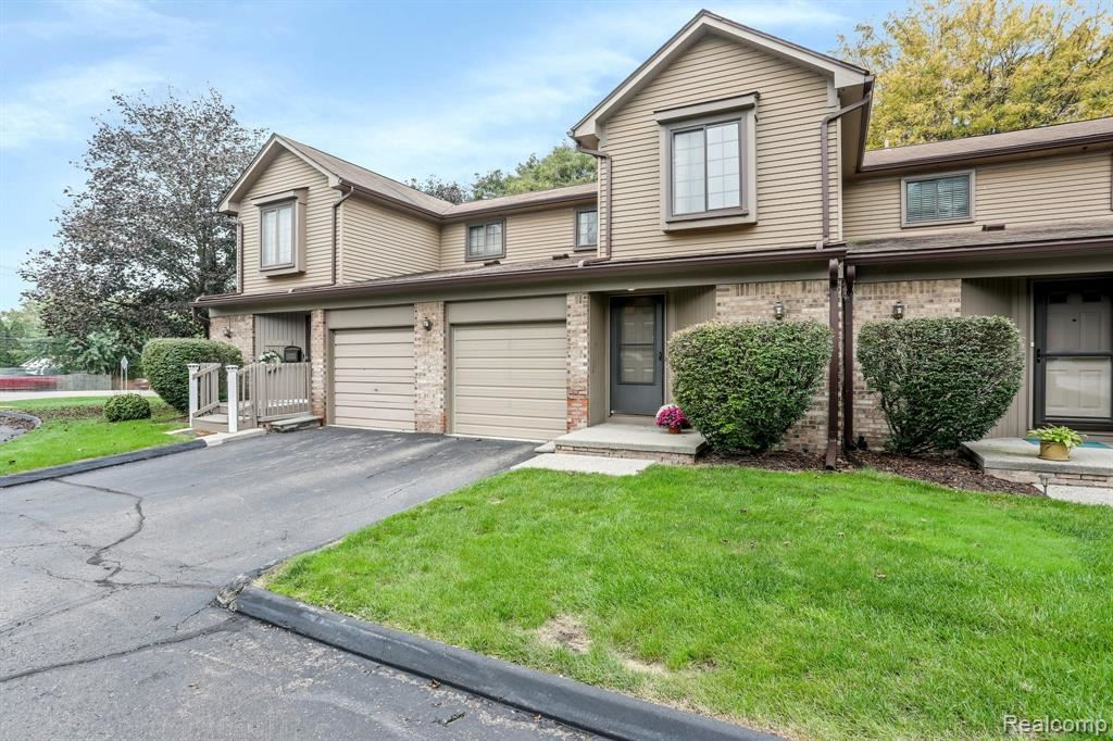 Photo for 18688 W 13 MILE RD, Beverly Hills, MI 48025 (MLS # 40244029)