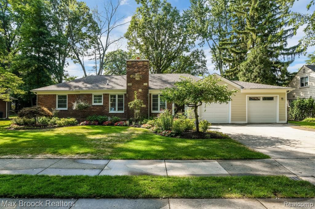 Photo for 17381 KIRKSHIRE AVE, Beverly Hills, MI 48025-3261 (MLS # 40097032)