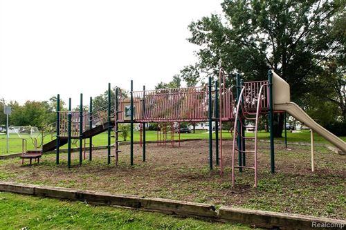 Tiny photo for 3506 HUNTER AVE, Royal Oak, MI 48073-2110 (MLS # 40245037)