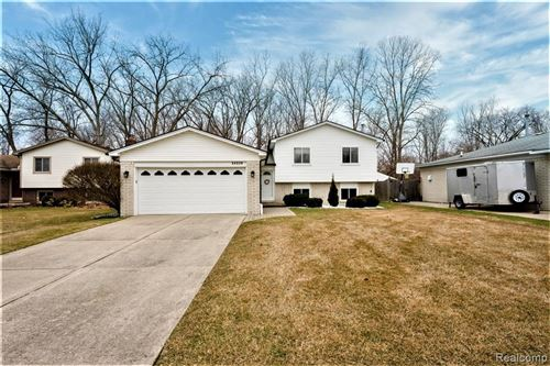 Photo of 34339 DAVENTRY CRT, Sterling Heights, MI 48312-4611 (MLS # 40028038)