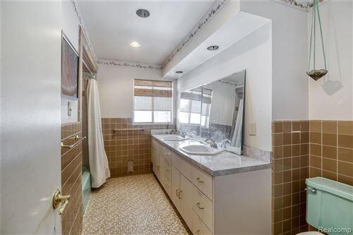 Tiny photo for 32570 LAHSER RD, Beverly Hills, MI 48025-2621 (MLS # 40145038)