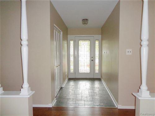 Tiny photo for 1681 BRACKEN RD, Bloomfield Hills, MI 48302-2204 (MLS # 40244038)