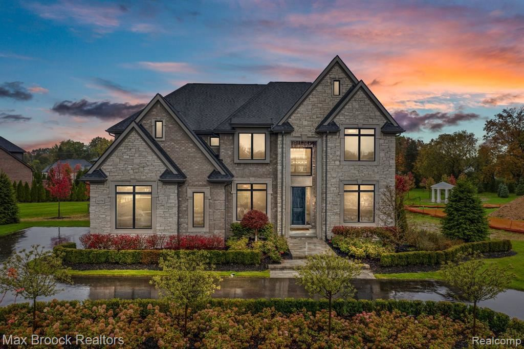 Photo for 3279 BARON DR, Bloomfield Hills, MI 48302-2094 (MLS # 40243048)