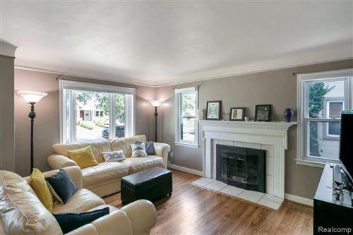 Tiny photo for 4 KENSINGTON, Pleasant Ridge, MI 48069 (MLS # 40241051)